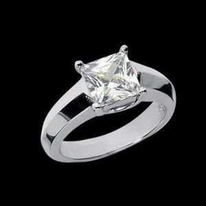 1.51 ct. Gorgeous princess diamond solitaire ring